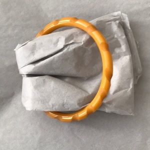 EUC VINTAGE Thin Butterscotch Bakelite Bangle